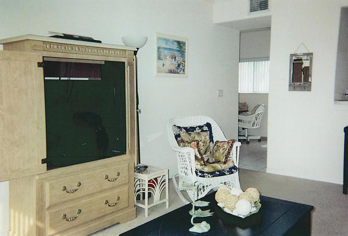 Living Room - 441 Ocean Park Lane