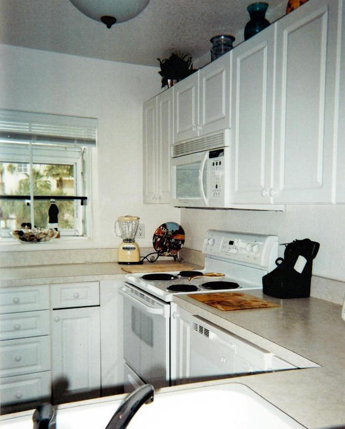 Kitchen  - 443 Ocean Park Lane