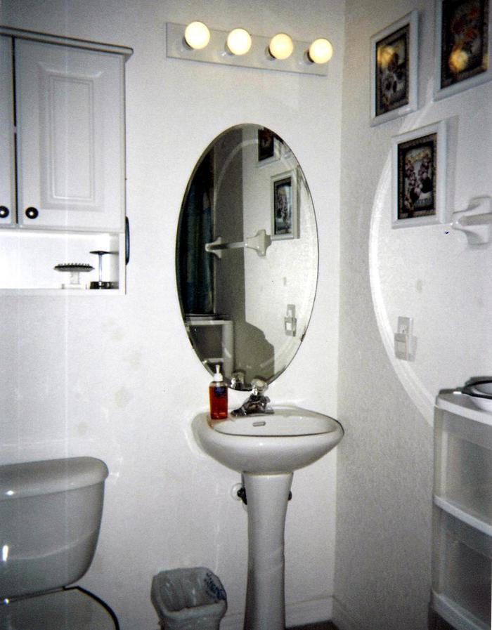 Bathroom (with large walk in shower) - 627 Ocean Park Lane
